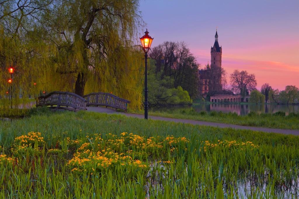 Abendstimmung im Schlosspark Schwerin Foto: Timm Allrich