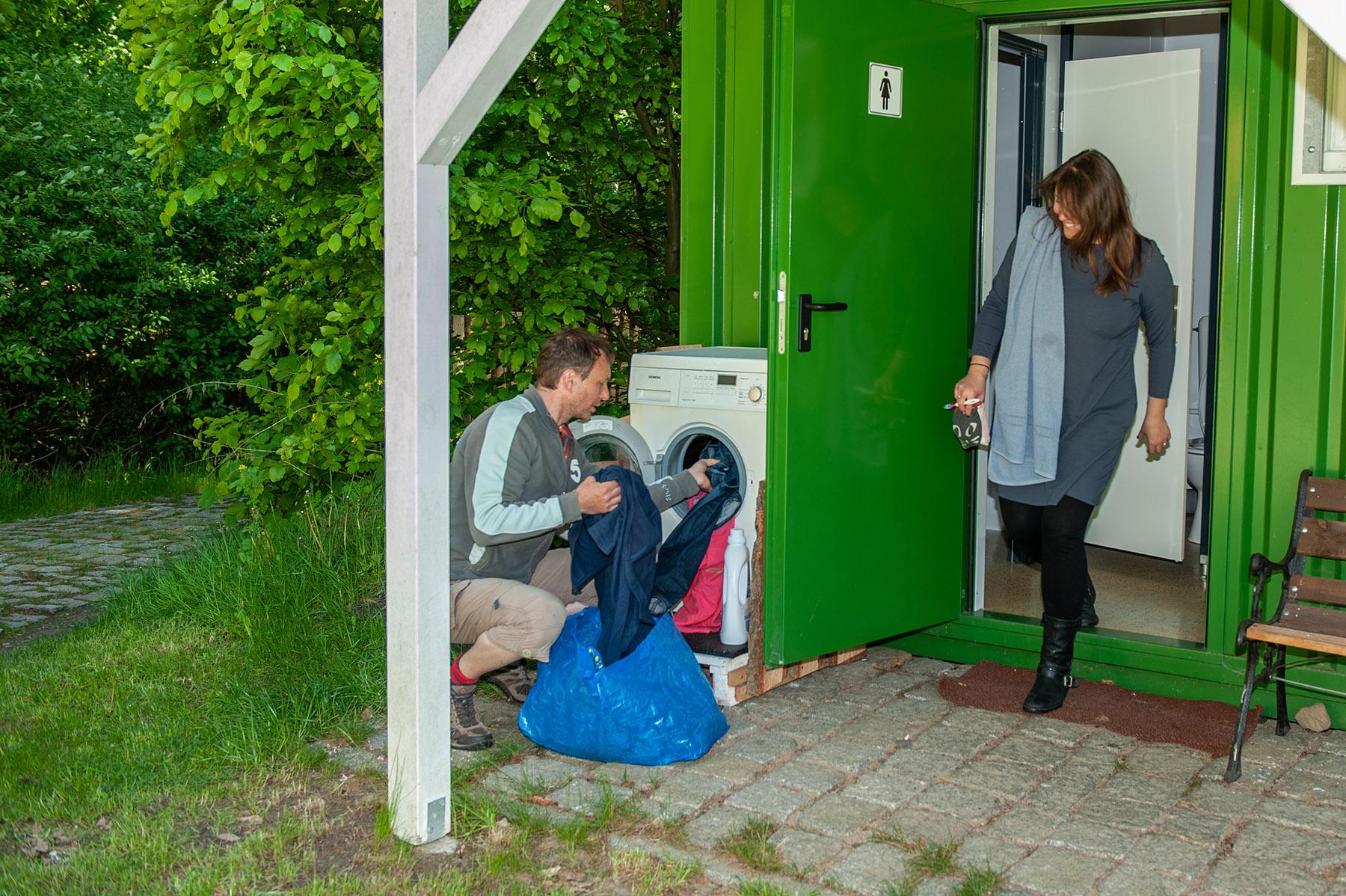 waschmaschine auf dem campingplatz
